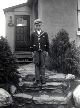 1952, Bobby