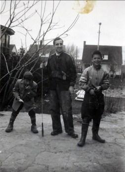 1952, Johnny Sofio avec Jimmy et Marc