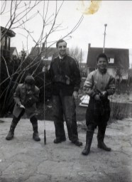 1952, Jimmy et Johnny Sofio avec Marc Thivierge