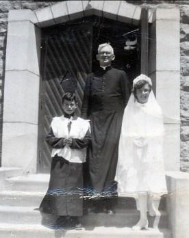 1952, Marc, curé Bachand, Paulette - communion solennelle