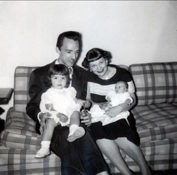 1953, Maurice de Kinder avec Johanne et Janine avec Bruno