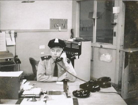1955, Harbour 7171 Allo Albert, au poste no 5,