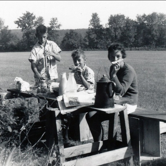 1955, St-Canut - Marc, Bobby et Irène