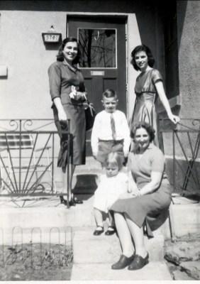 1958, Paulette, Richard, Claire, Henriette et Irène