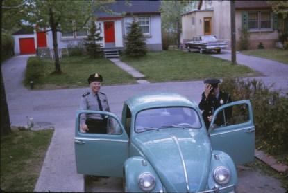 1964, 2 policiers et une Volks