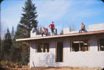 1969, chantier - Val-David maison 1