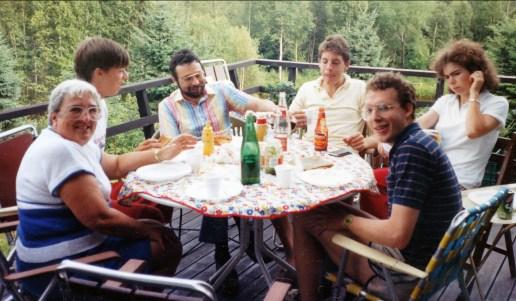 1986, Henriette, Luc, Bobby, Alexandre, Marie-Jo et Arie à Val-David