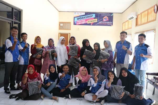 Sesi Foto Bersama RTIK Kota Cirebon - Salam Literasi Digital