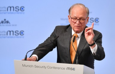 Ischingeri tash lavdëron Thaçin e Bërnabiqin për diskutim përmbajtësor