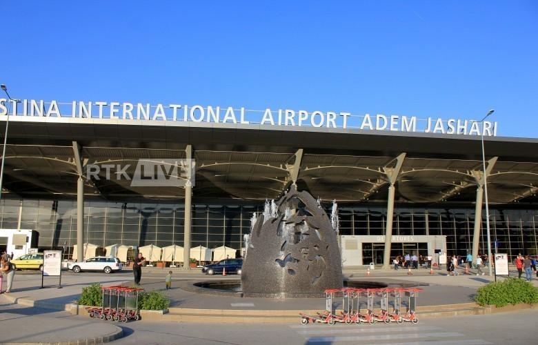 Koronavirusi reduktoi linjat ajrore në Aeroportin e Prishtinës