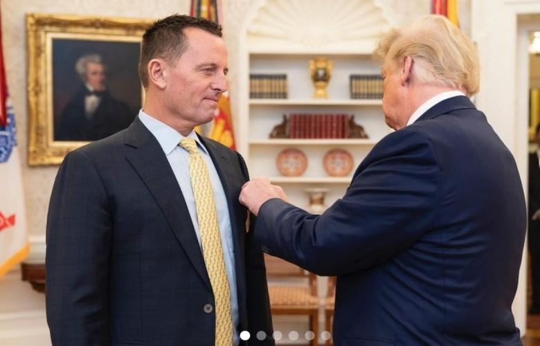 Trump i ndan medalje Grenellit për marrëveshjen Kosovë-Serbi
