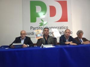 foto conferenza stampa decreto ilva