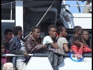 Sbarco immigrati a Taranto 2