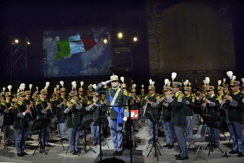 02/07/2013 Spoleto 56, Festival Dei 2 Mondi. Teatro Romano. Concerto della Banda Musicale della Guardia di Finanza. Nella foto il Maestro Tenente Colonnello Leonardo Laserra Ingrosso.