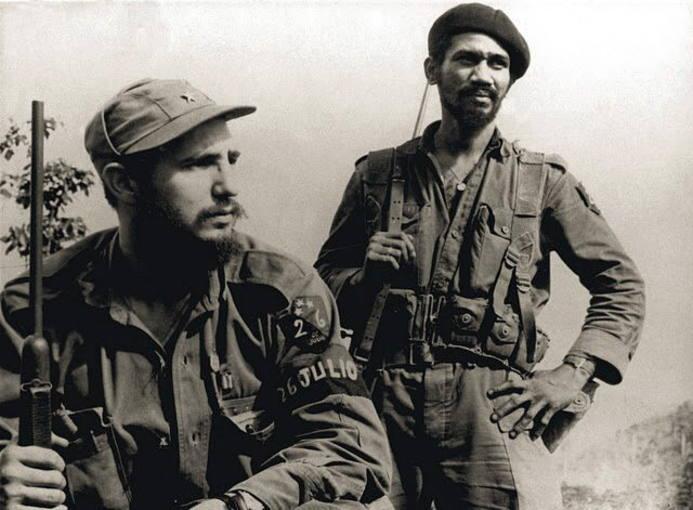https://i2.wp.com/www.rtve.es/imagenes/castro-sierra-maestra-1958-junto-fallecido-comandante-juan-almeida-bosque/1281023093102.jpg