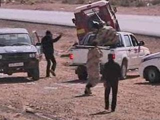 Ver vídeo 'Los rebeldes libios han capturado a ocho soldados británicos'