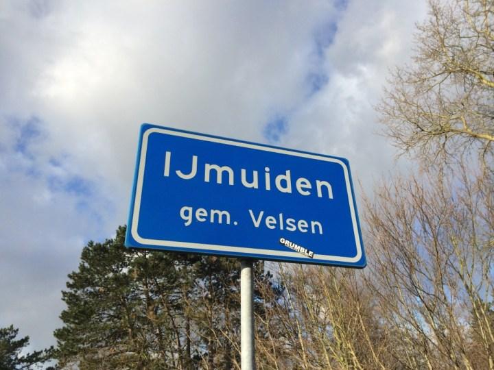 Vrouw gewond na aanrijding Havenkade IJmuiden-West