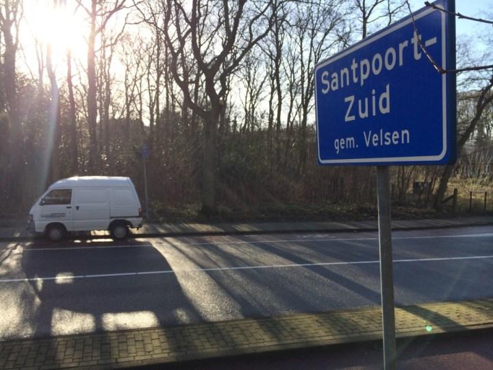 Tuinhuisje afgebrand in Santpoort-Zuid, N208 dicht