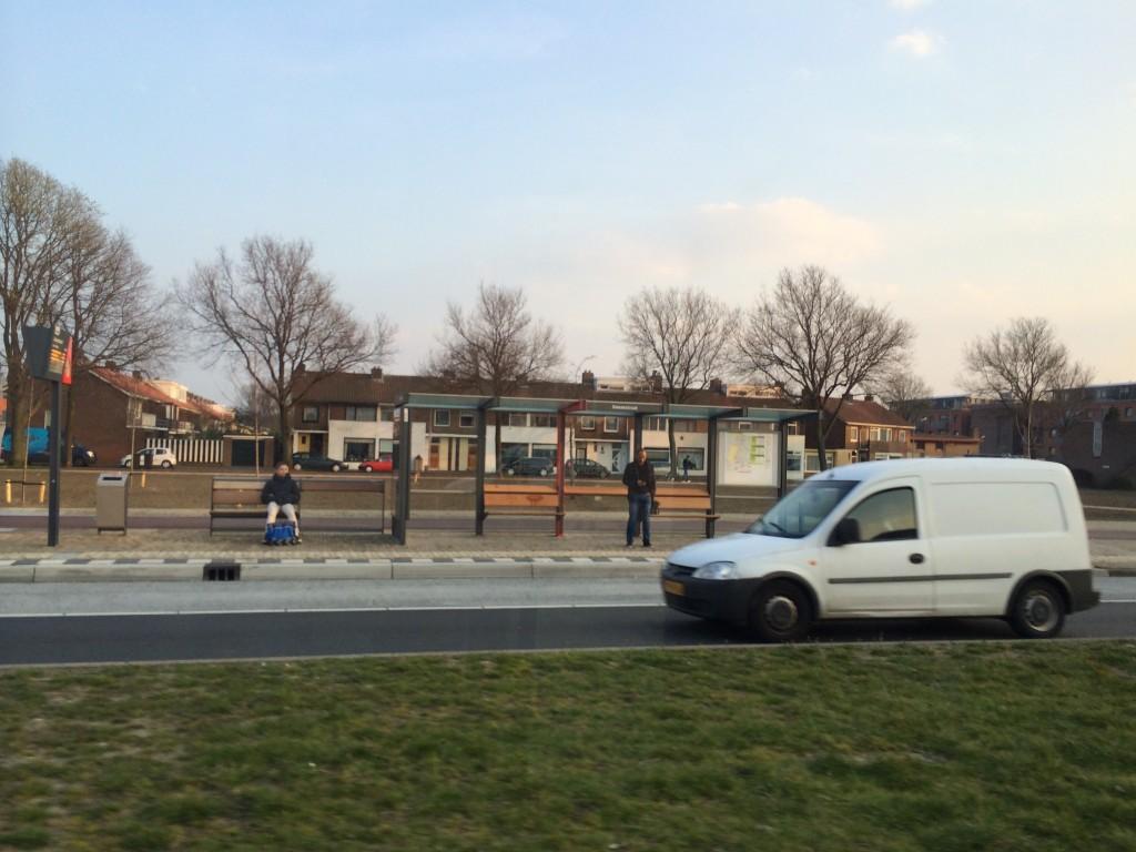 Gemeente doet aangifte vanwege Wilders/Hitler-bankje Duinwijk