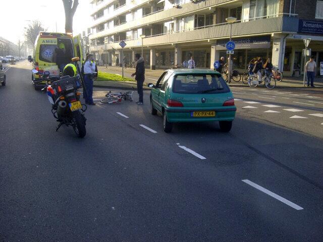 Fietster gewond bij aanrijding Arcade IJmuiden-Centrum
