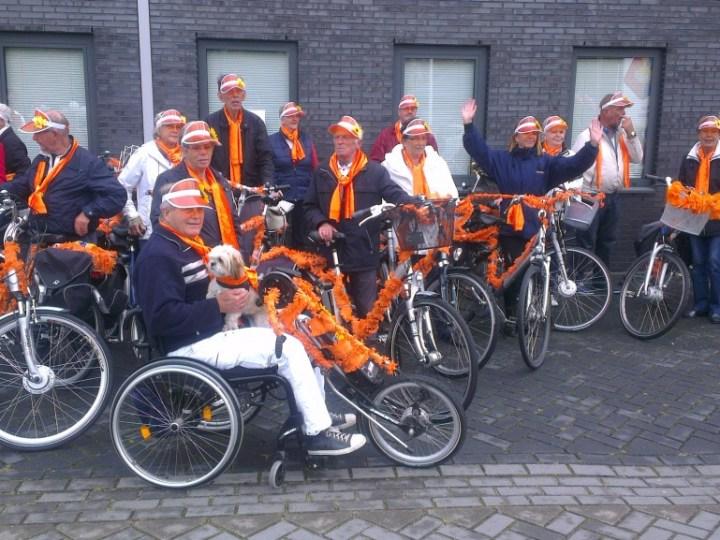 Bank spekt clubkas met fietstocht