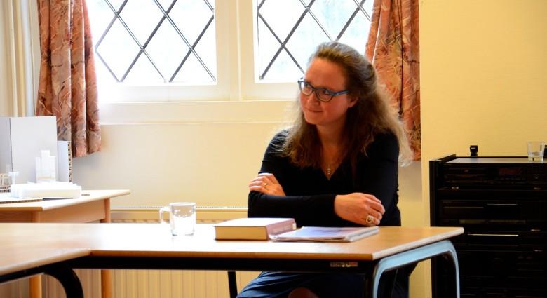 Uniek: vrouw wordt priester in IJmuiden