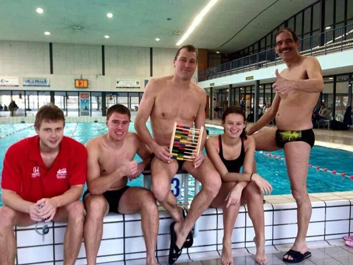 Watervrienden zwemt voor Glazen Huis