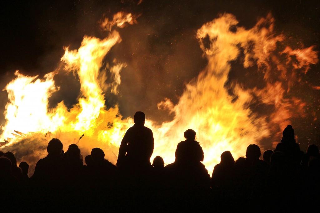 Kerstboomverbrandingen in Velsen