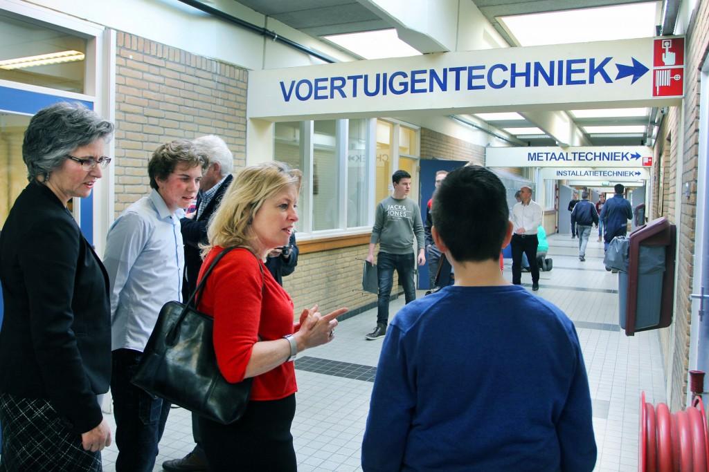 Min. Jet Bussemaker bezoekt Technisch College