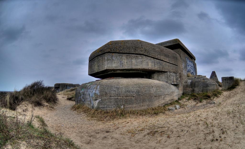 Toeristen stelen uit bunkers IJmuiden