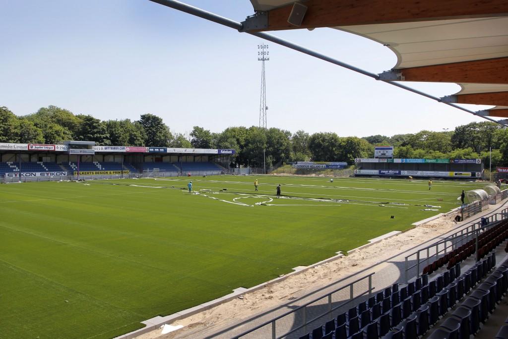 In beeld : Kunstgrasveld Telstar Stadion