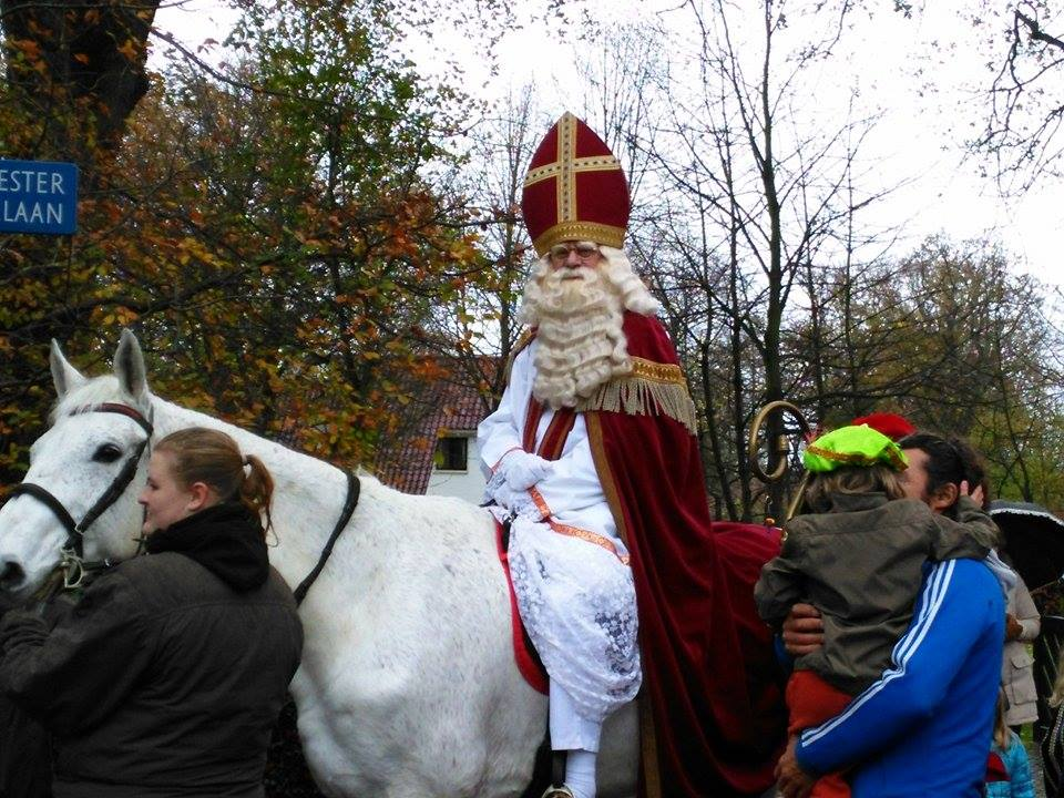 Santpoort in teken van Sinterklaas