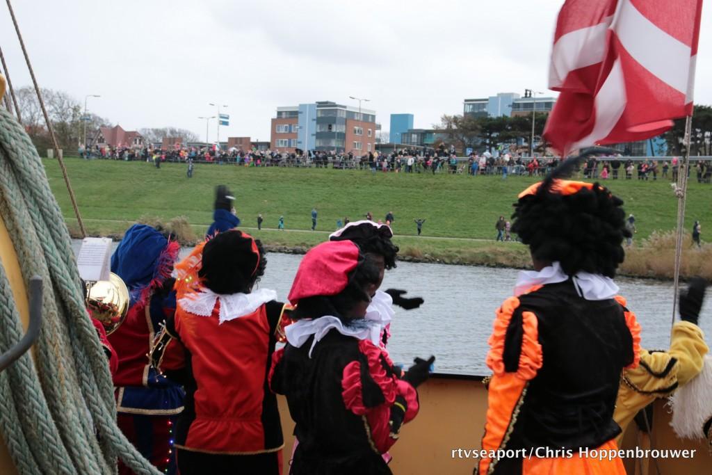 2015 11 Sinterklaas - Boot - 00160