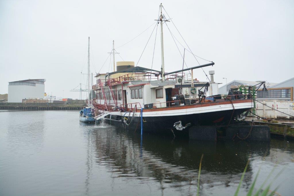 Pannenkoekenboot bijna gezonken