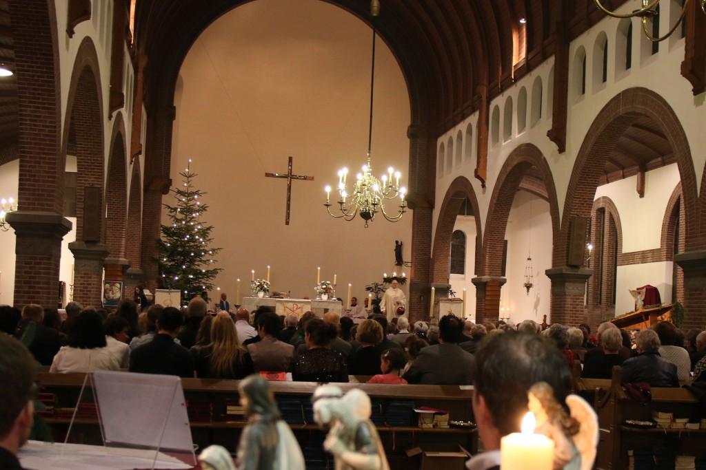 2015 12 Kerstavond Oud Katholieke kerk - 00001