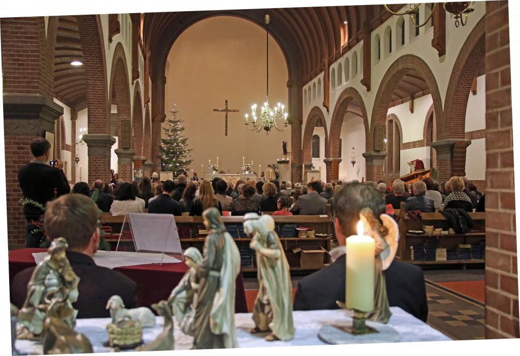 2015 12 Kerstavond Oud Katholieke kerk - 00002