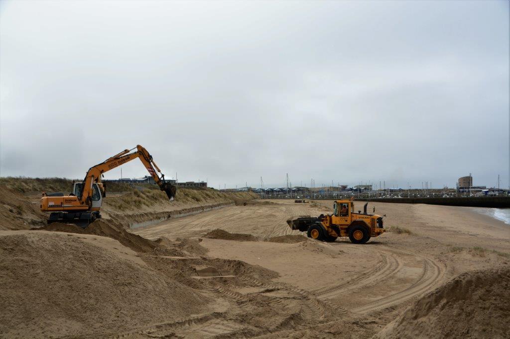 In beeld: voorbereidingen strandseizoen