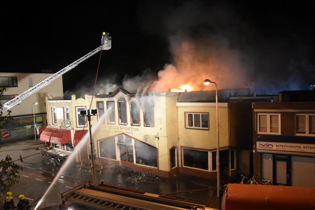 Zeer grote brand bij Café La Belle