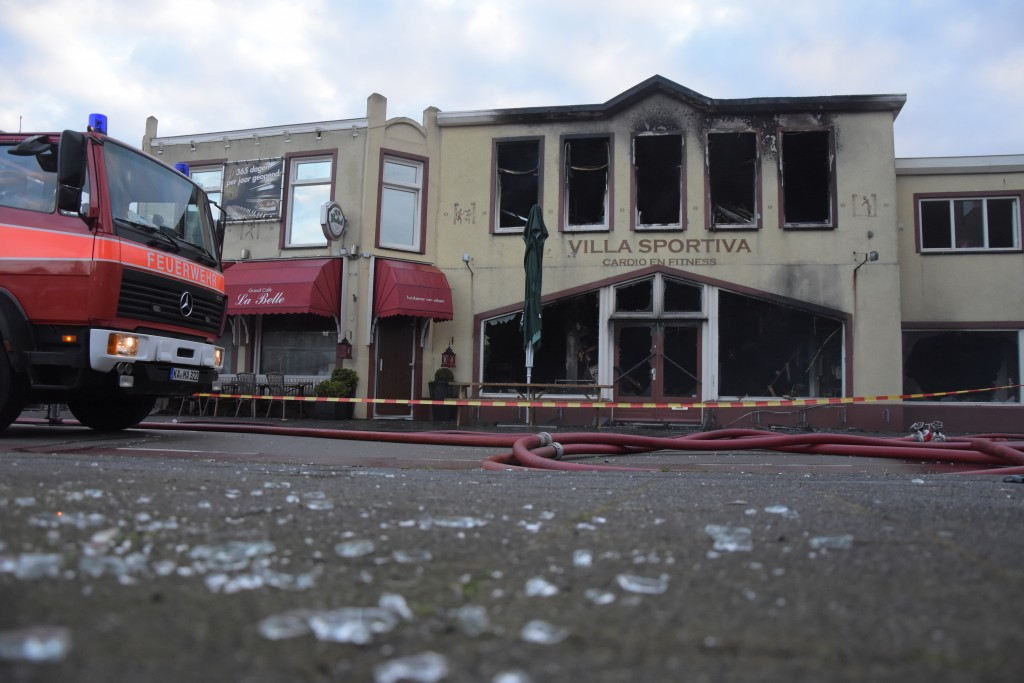 Video: Brand verwoest café La Belle