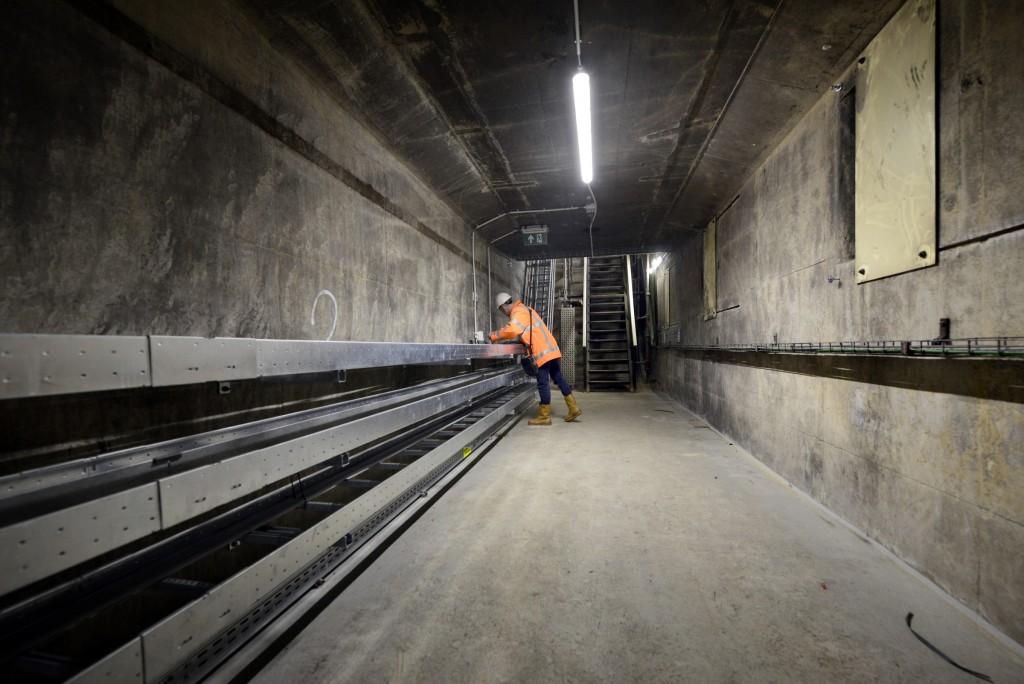 Oude Velsertunnel nu vol glasvezel