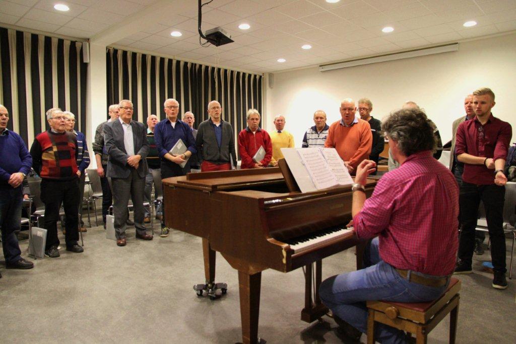 Zingen bij Chr. Mannenkoor IJmuiden