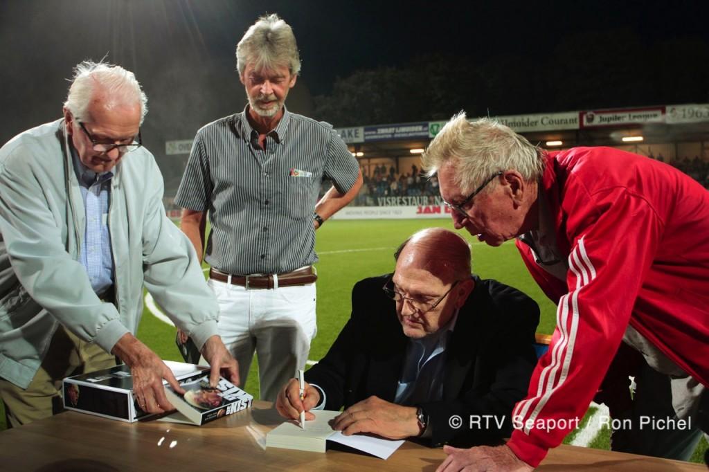 Kistemaker signeert 'De Kist'