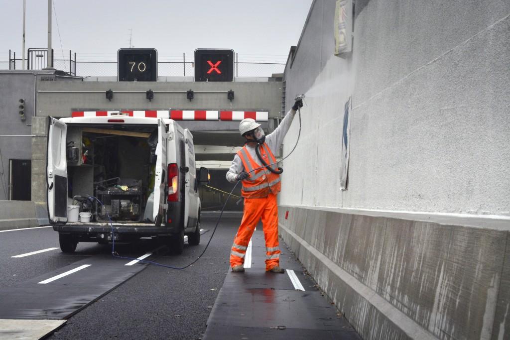 Mooi wit en strak asfalt voor hardlopers