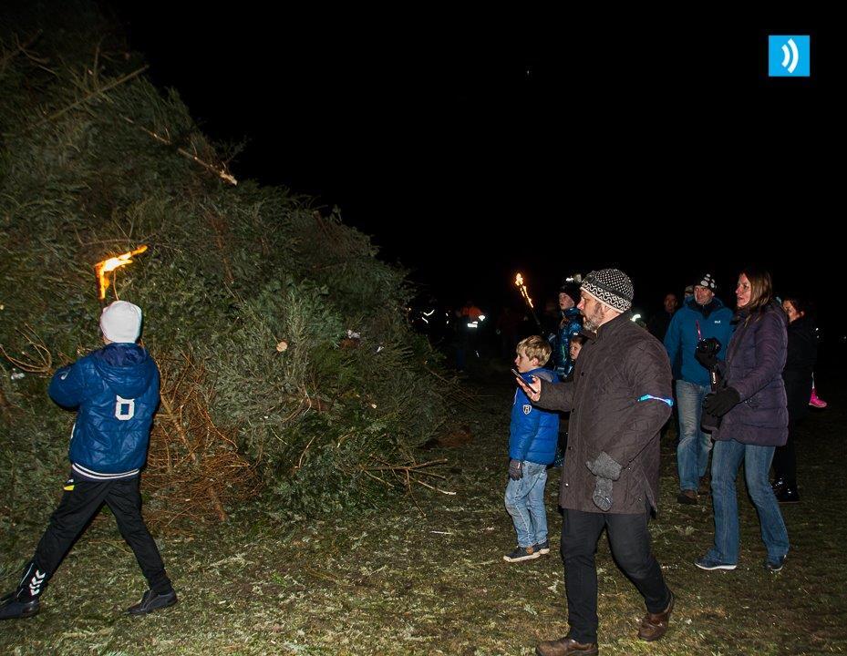kerstbomen-verbranding-santpoort-3