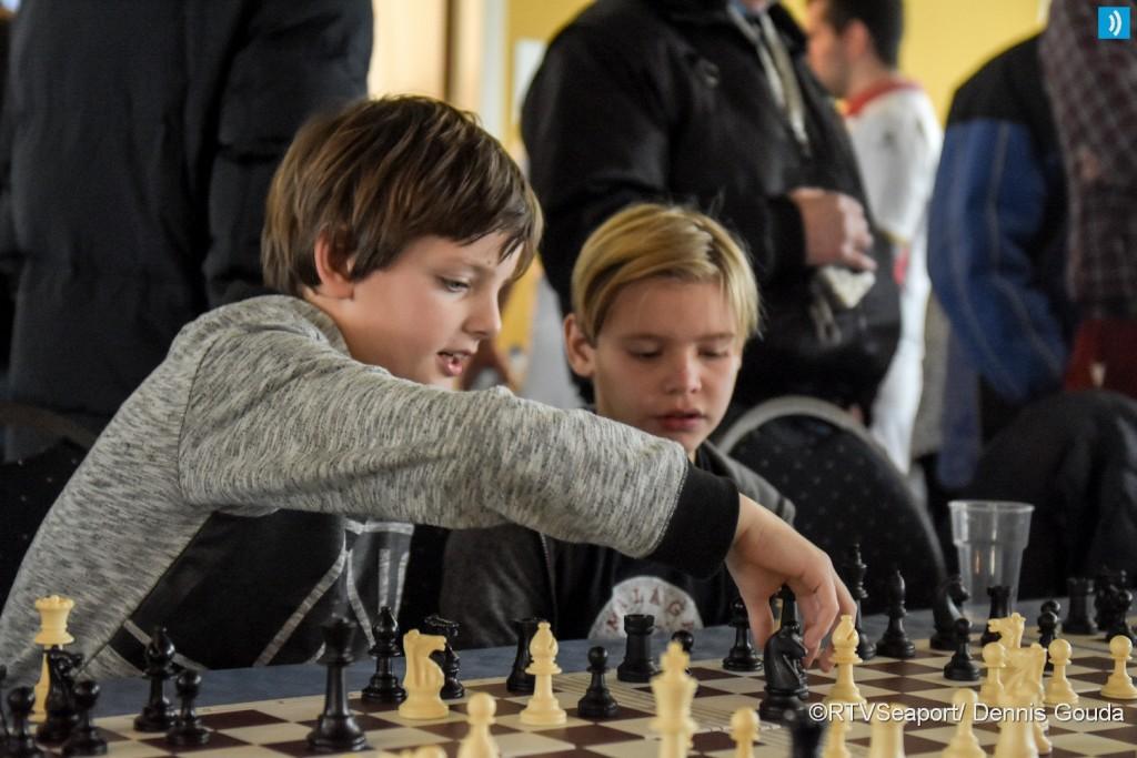 Simultaan schaken voor basisscholen (1)
