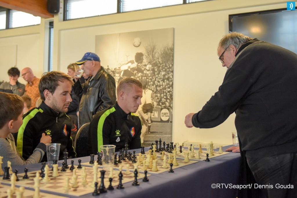 Simultaan schaken voor basisscholen (3)