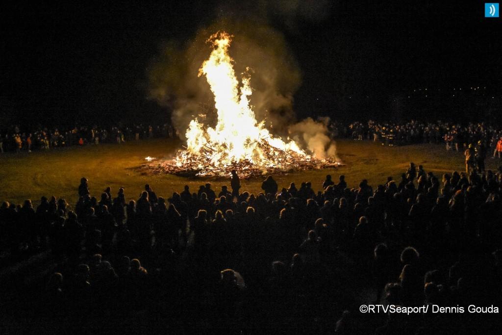 Kerstbomen verbranding in beeld