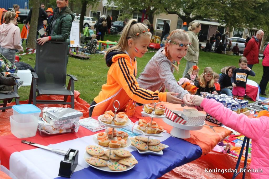 Koningsdag in Velsen, IJmuiden, Santpoort en Driehuis