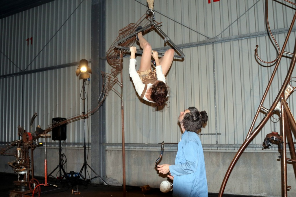 Theatraal circus in vishal D