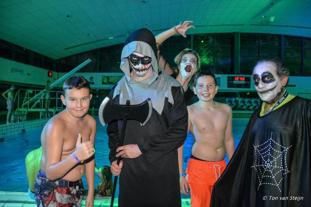 Griezelen in zwembad de Heerenduinen